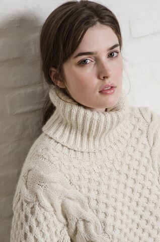 ELEVEN SIX Sara Cable Sweater