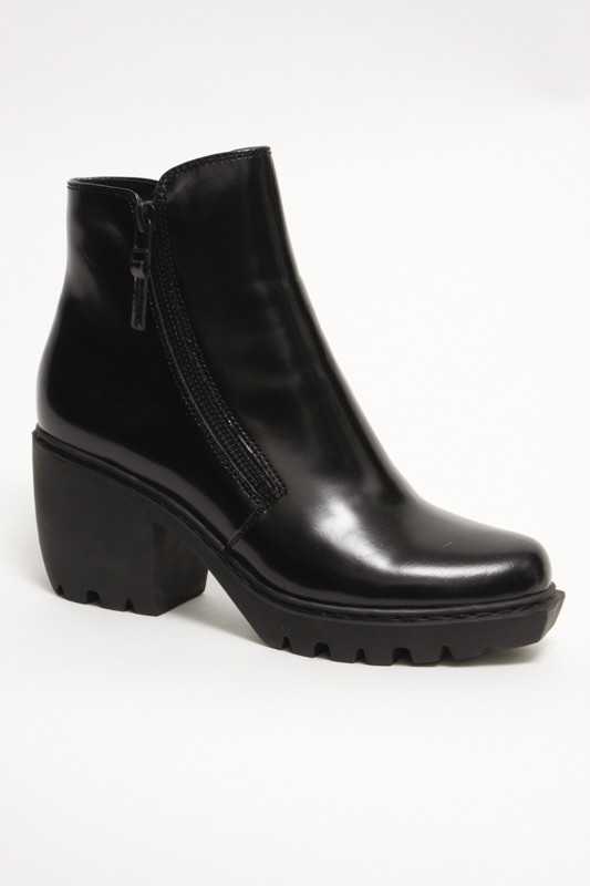 OPENING CEREMONY DOUBLE ZIP GRUNGE BOOTIE
