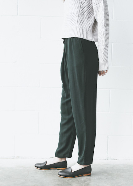 Black Crane - Slim Pant in Forest