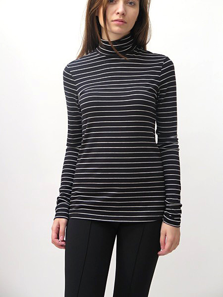AMOUR VERT Flannery Turtleneck