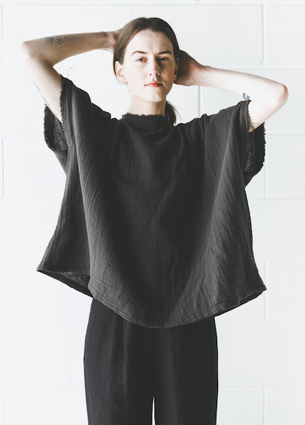 Black Crane - Double Gauze Square Top in Charcoal
