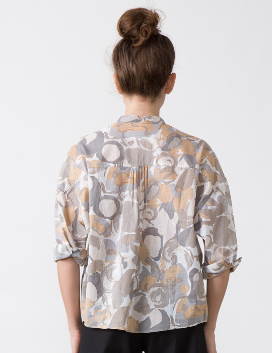 SBJ Austin Isabel Top in Natural Print.
