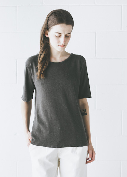 Black Crane - Back Seam Short Sleeve in Charcoal
