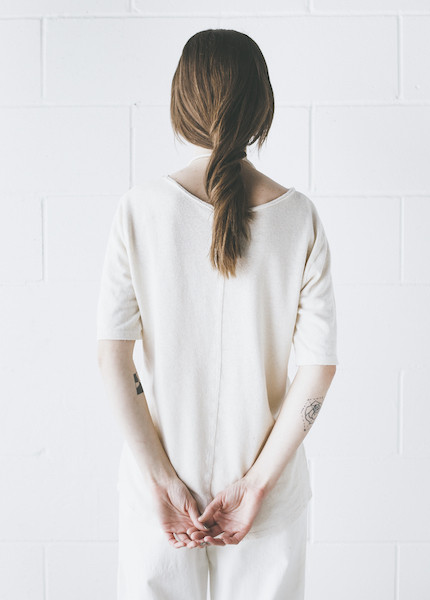 Black Crane - Back Seam Short Sleeve in Cream