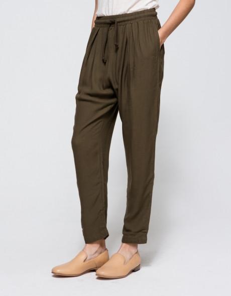 Black Crane Slim Pant