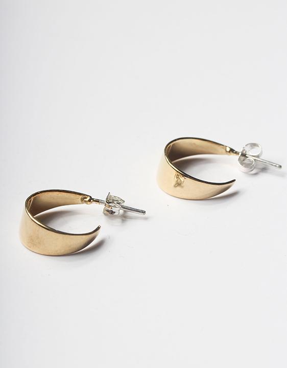 Tuza Cuarto Menguante Hoop Earrings
