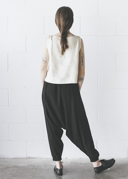 Black Crane - Accordion Pant in Black