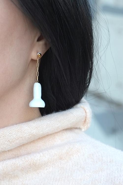 Jujumade trumpet earring