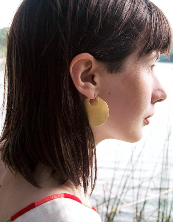 Lila Rice Disc Earrings - Brass