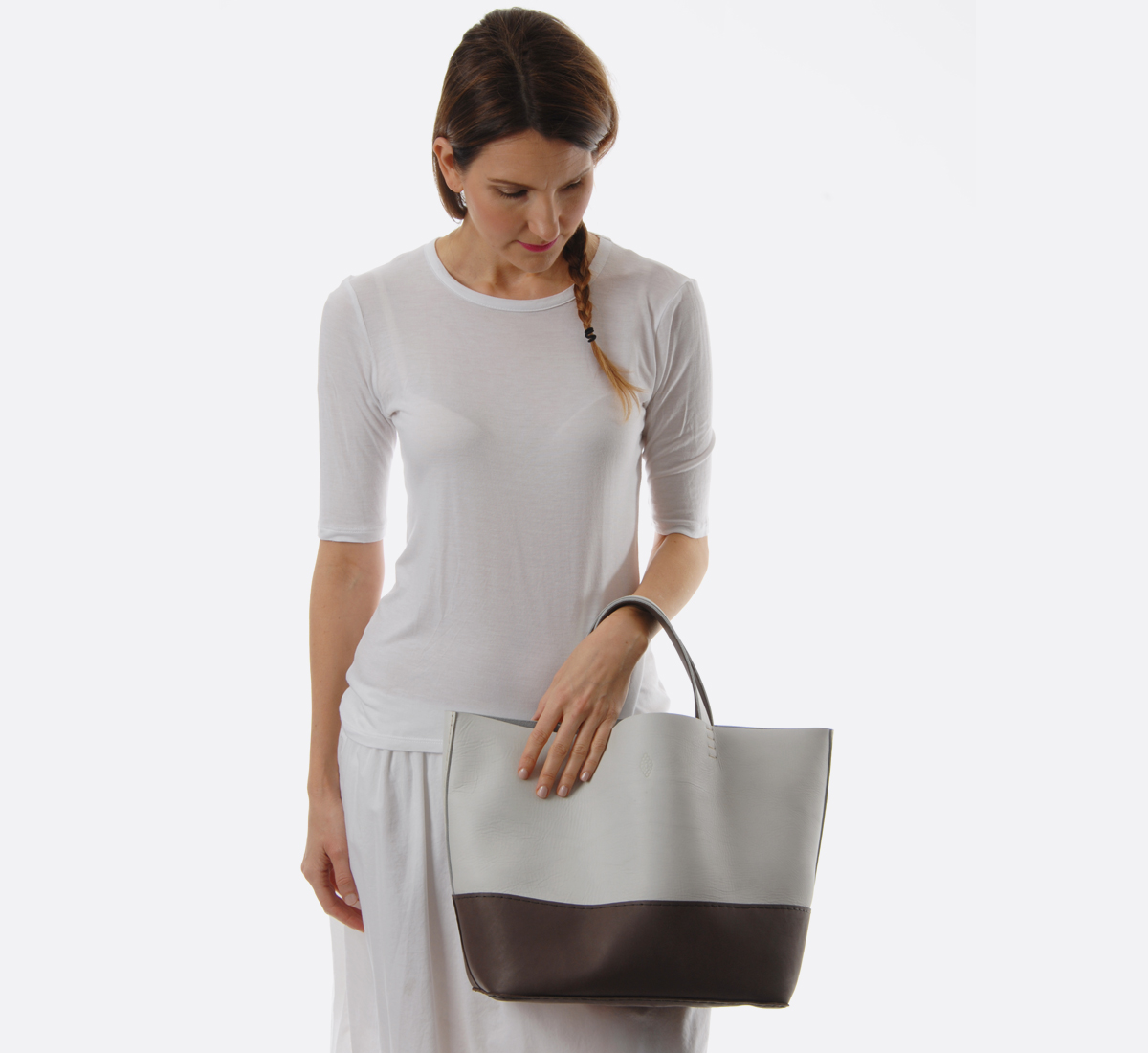 Winter white and plum basket bag duo by petite maison christiane from roztayg - Petite maison christiane ...