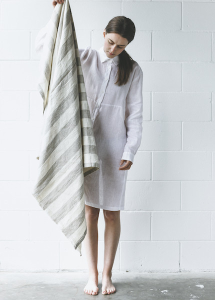 Le Fil Rouge Linen Throw - Wide Stripe