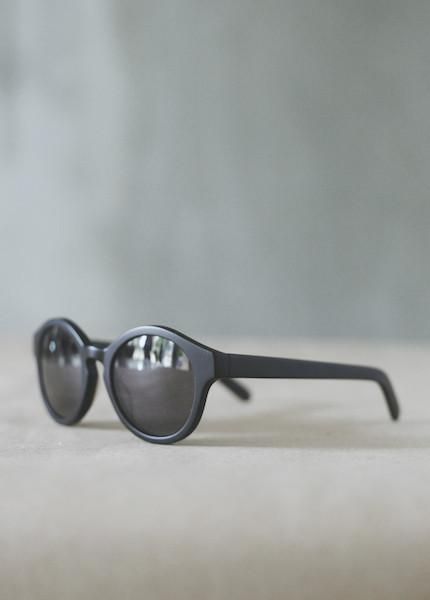 Raen Optics - Flowers in Matte Black