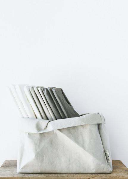 Uashmama - Vassoio Bag in White, Grey or Dark Grey
