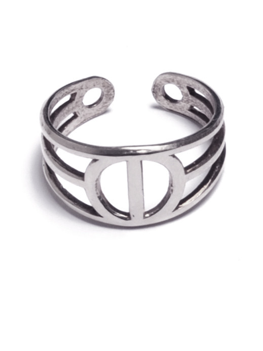 ALYNNE LAVIGNE - Tri-Line Circle Ring