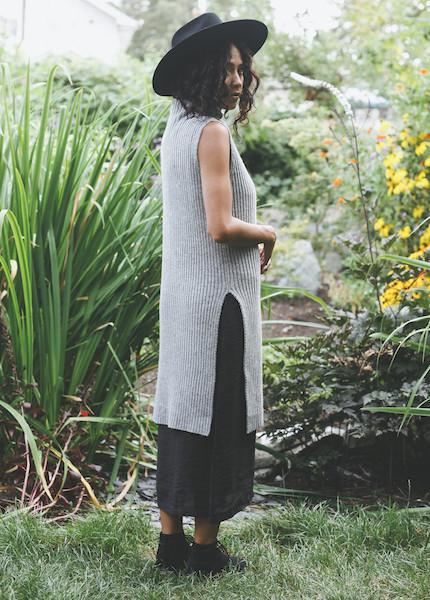 Achro - Sleeveless Ribbed Tunic in Gray