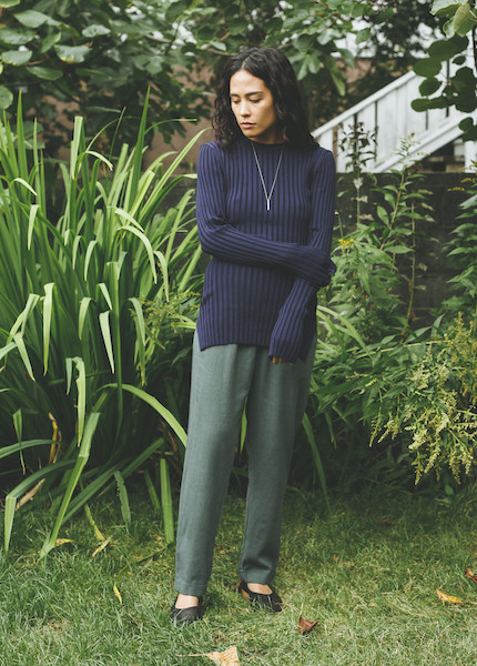 Achro - Long Sleeve Ribbed Sweater in Navy