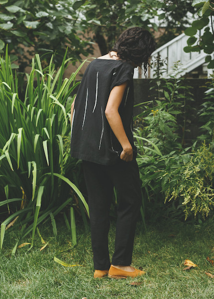 Uzi - Tunic in Black Scratch