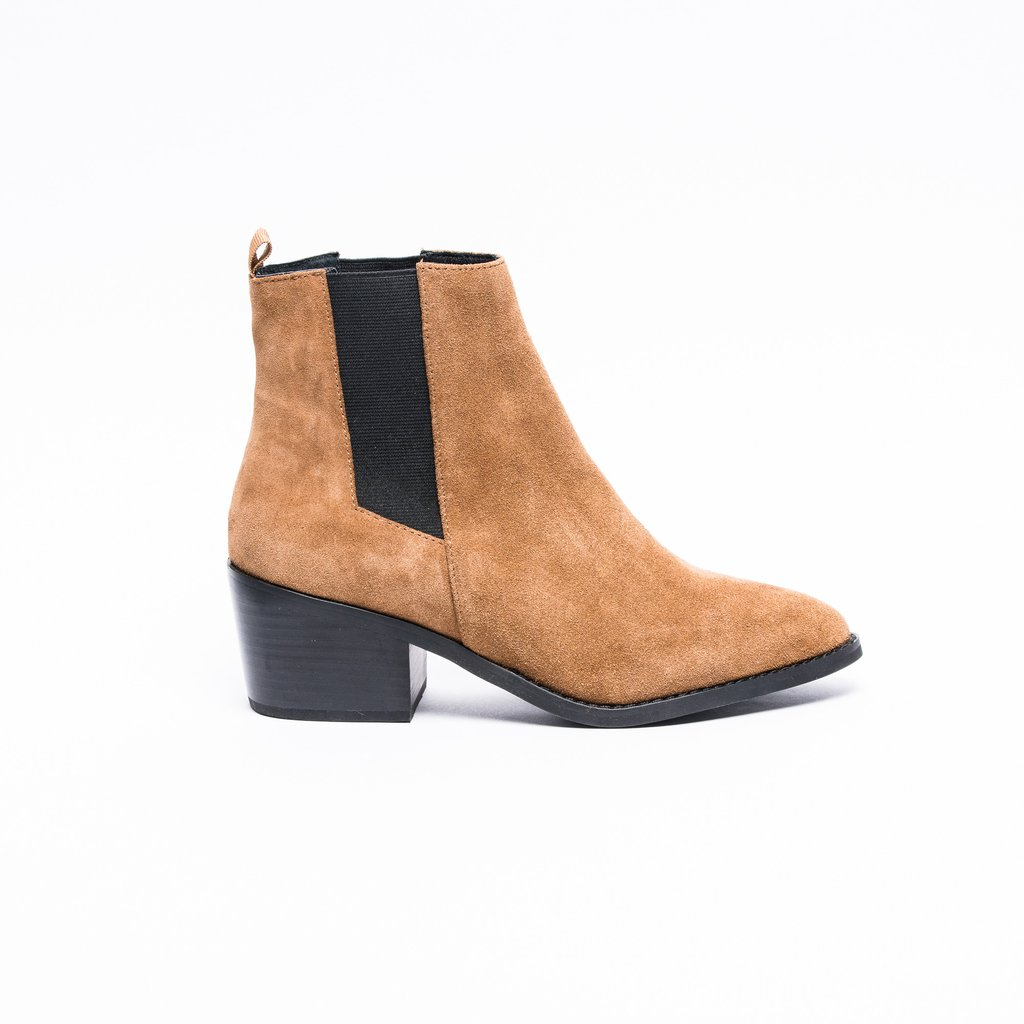 Simple Ugg Boots Edgars