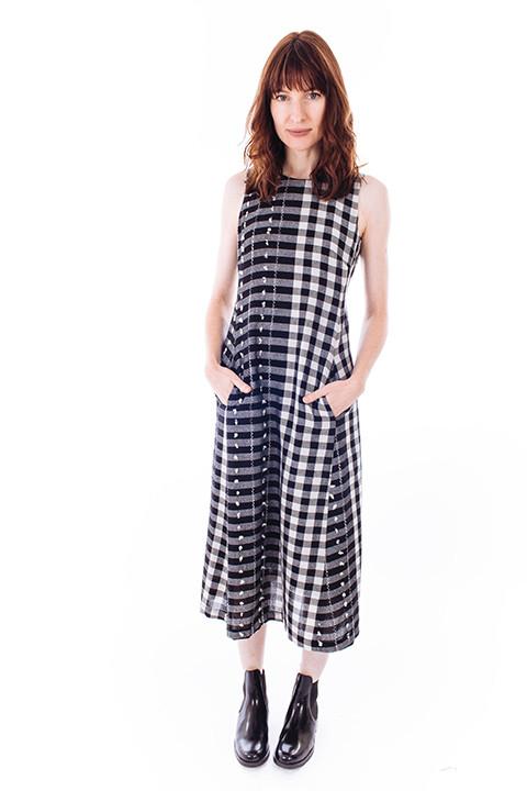 Svilu Swann Dress in Black & White