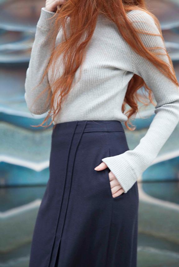 Obakki Anthelia Sweater