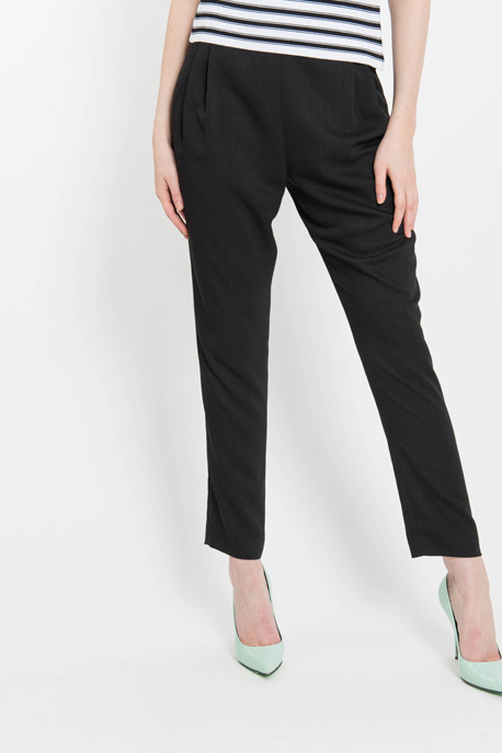 Pleated Track Pant in Black