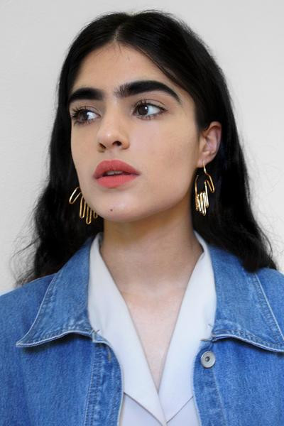 Young Frankk HAND EARRINGS - GOLD