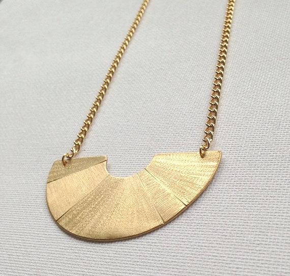 Knuckle Kiss Horizon Necklace