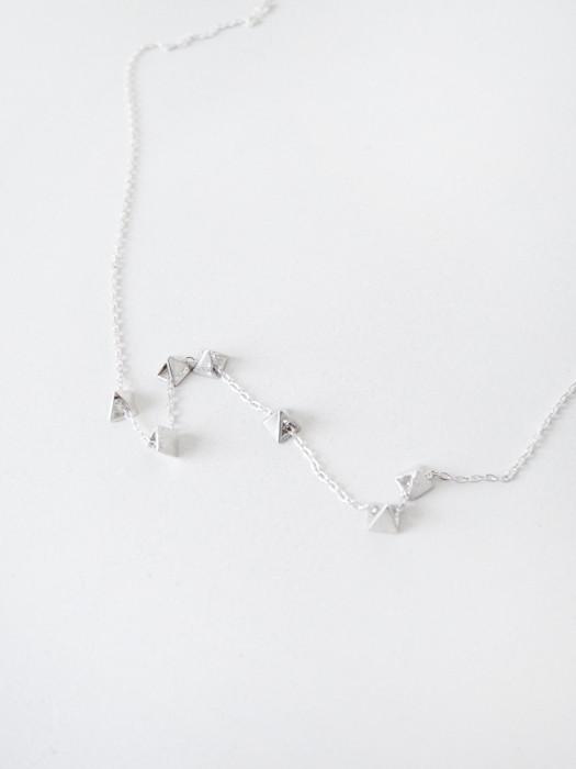 Samma Mini Pyramids Necklace