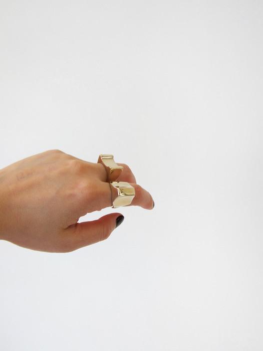 Quarry Tricorn Ring