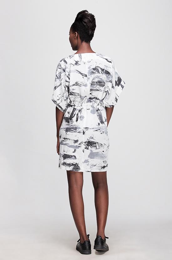 Osei-Duro Toss Kimono in B&W Abstract
