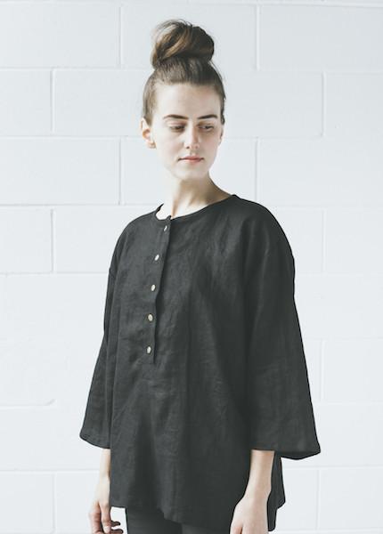Sunja Link  Linen Top | Black