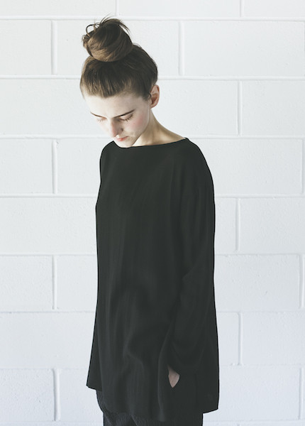 Black Crane Long Slit Top | Black