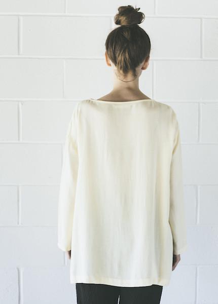 Black Crane Long Slit Top | Cream