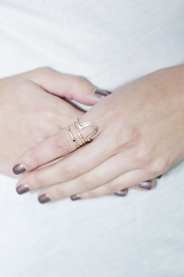 Young In The Mountain Blanco Modelo Ring