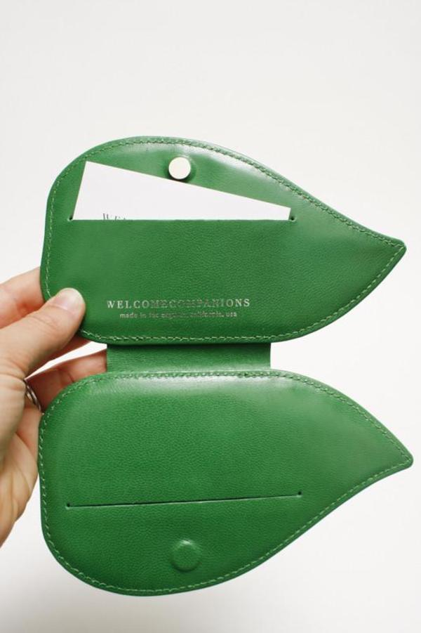 Welcome Companions Leaf Cardholder