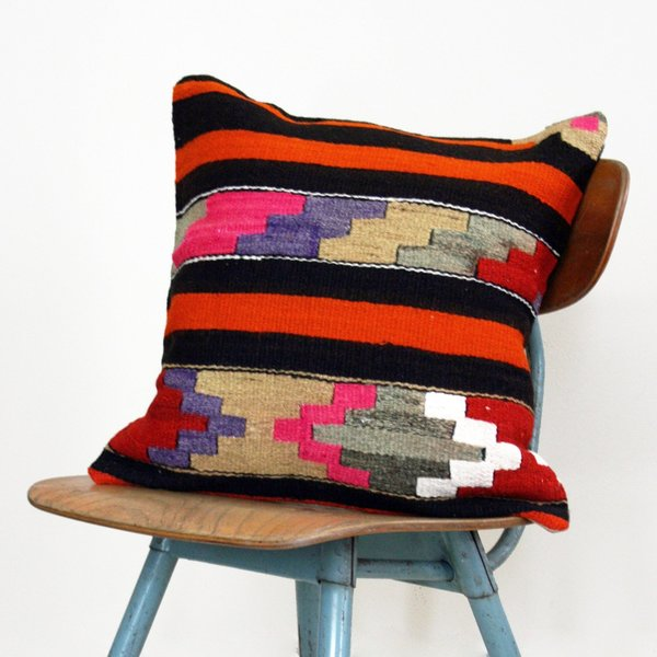 Akila Vintage Kilim Pillow Cover