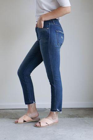 Amo Denim Stix Crop Jeans in Rambler