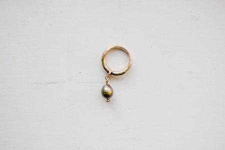 PLUTONIA BLUE Roma Pearl Ring