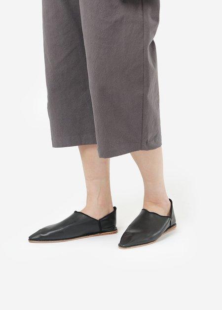 Unisex Bronze Age Massa Leather Glove Shoe - Black