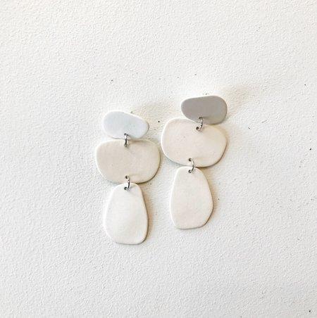 Four Eyes Ceramics PEBBLE EARRING - White