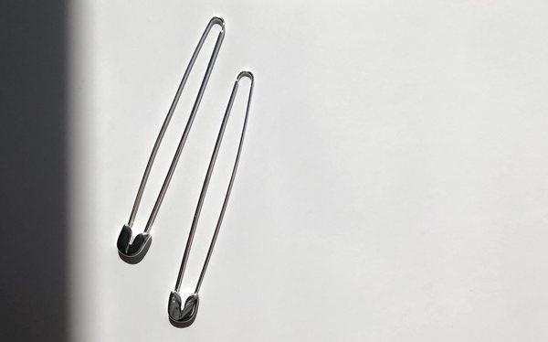 A Détacher Oversized Safety Pin Earrings