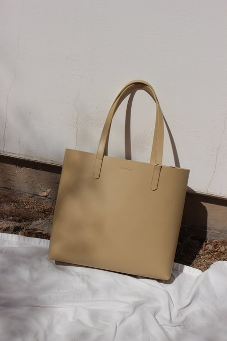 The Stowe katie tote - sand