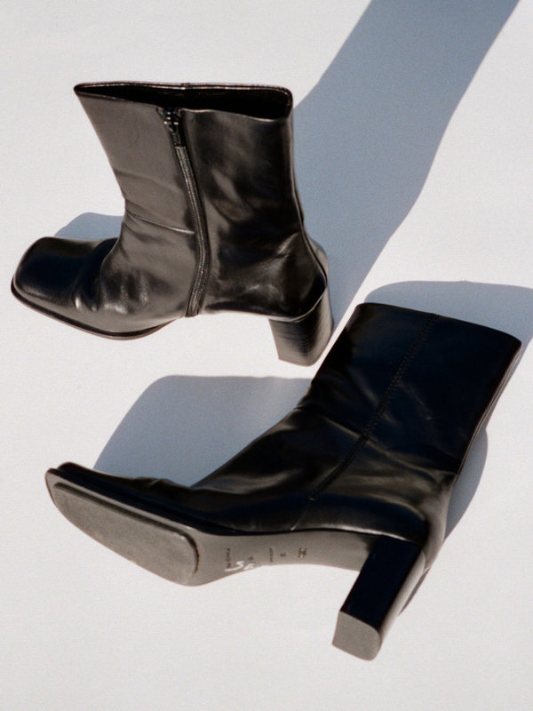 203ea1bbccf Casia Vintage Square Toe Leather Ankle Boot