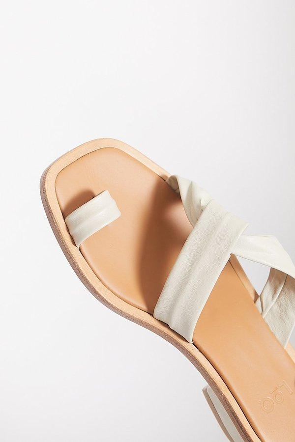 Cheap Pick A Best Cheap Store Pau Leather Sandals - White LOQ dCOxSn