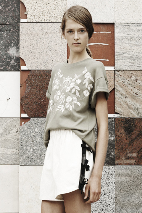 LITKE Embroidered Tee