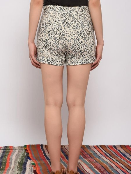 Leon & Harper Queen Paisley Shorts - ECRU/BLACK