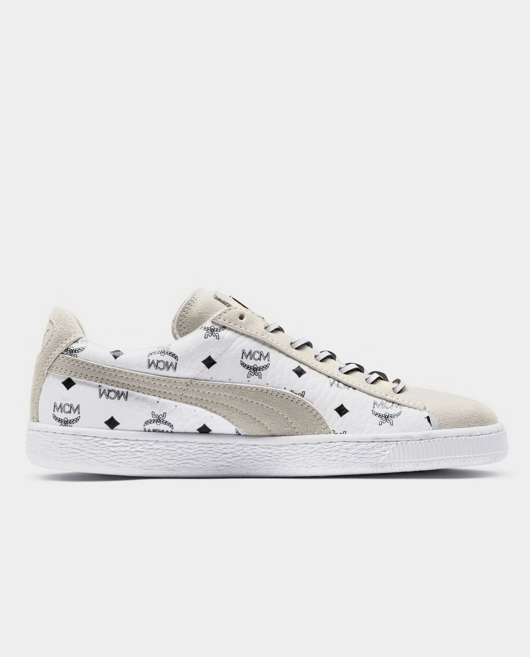 the latest b0987 65dbf PUMA X MCM SUEDE CLASSIC - White