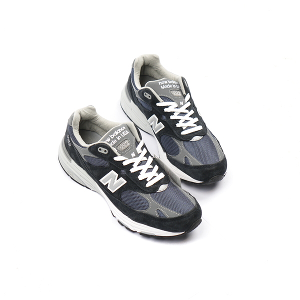 newest collection 9966e 32bf9 New Balance MR993NV Sneakers