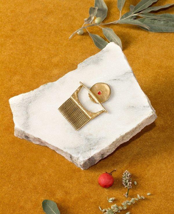 Ora-c jewelry karo comb - brass