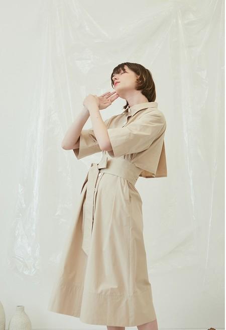 ANOTHER A OPEN BACK SHIRTS Dress - Beige